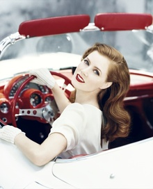 A luxurious looking Amy Adams at the wheel, but what's the car?